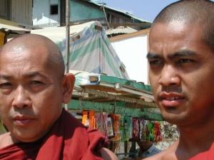prodlužování vlasů v Thajsku