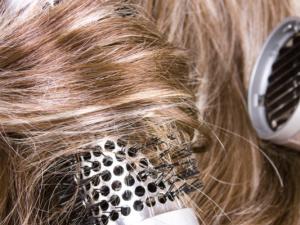 vlny z rovných vlasů