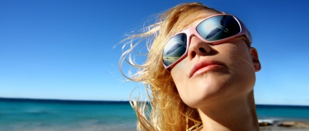 slunce a ochrana vlasů