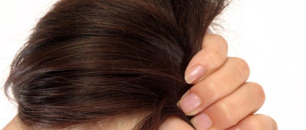 tvrdé, nepoddajné vlasy