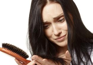 Vypadávání vlasů, mastná pokožka