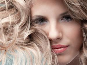 objem vlasů