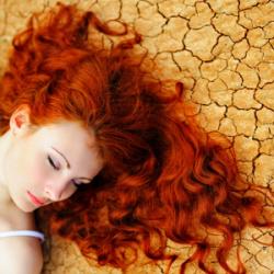 suché vlasy kosmetika a péče